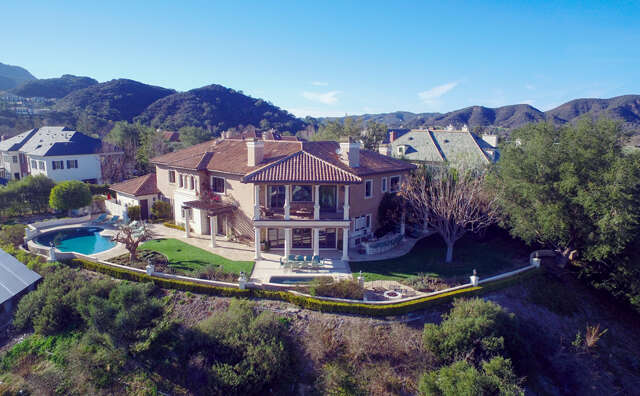 Single Family for Sale at 2212 Melford Ct. Thousand Oaks, California 91361 United States