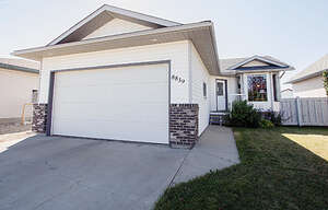Featured Property in Grande Prairie, AB T8X 1L6