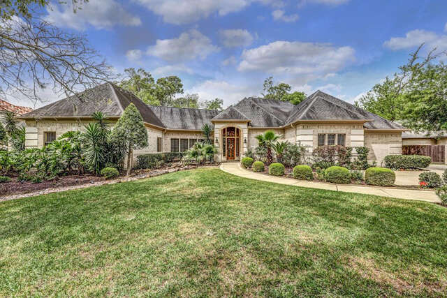 Single Family for Sale at 2811 Acorn Wood Way Houston, Texas 77059 United States