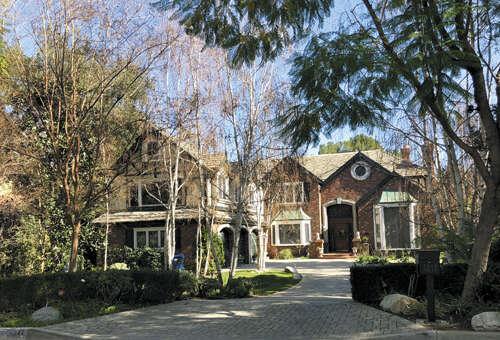 Single Family for Sale at 4242 Oakwood Ave La Canada Flintridge, California 91011 United States