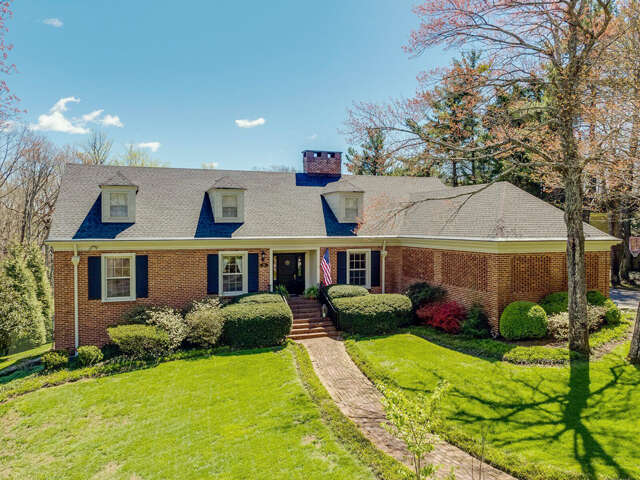 Single Family for Sale at 156 Fort Stephenson Pl Lookout Mountain, Tennessee 37350 United States