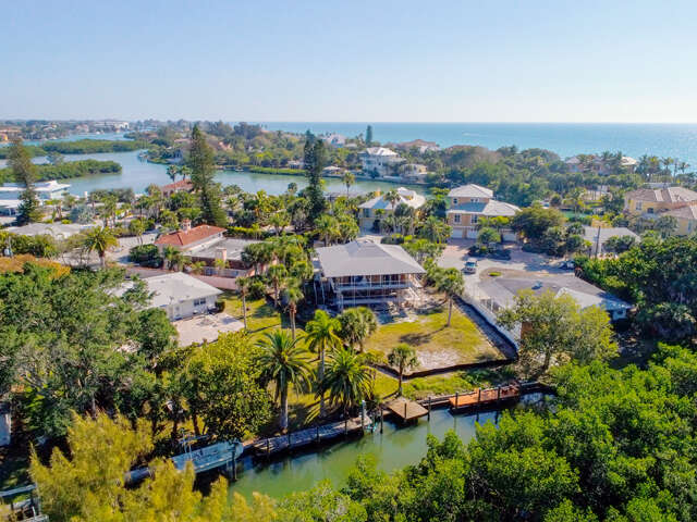 Single Family for Sale at 909 Casey Cove Dr Nokomis, Florida 34275 United States