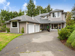 Featured Property in Comox, BC V9M 4C6