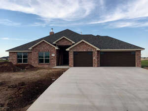 Featured Property in Canyon, TX 79015