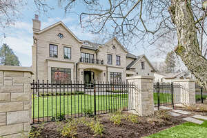 Featured Property in Oakville, ON L6J 4G4