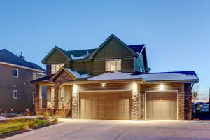 Featured Property in Okotoks, AB T1S 0G6