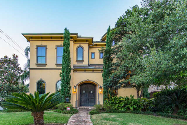 Single Family for Sale at 1603 Marshall Street Houston, Texas 77006 United States