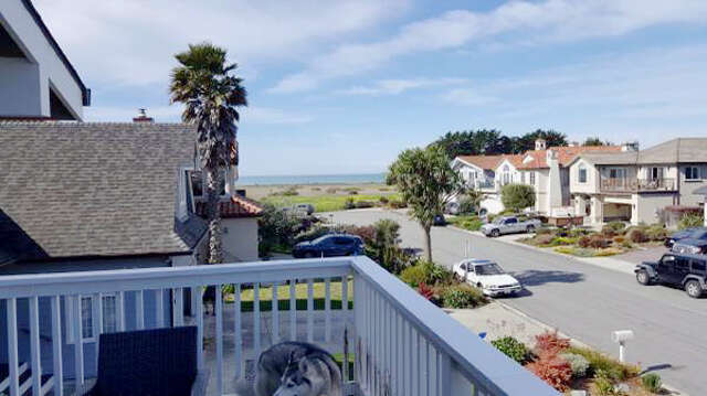 Single Family for Sale at 172 Miramontes Ave Half Moon Bay, California 94019 United States