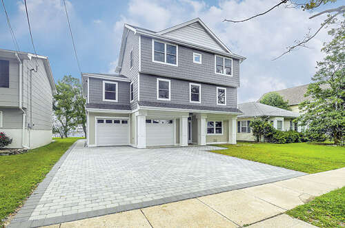 Single Family for Sale at 107 Niblick Street Point Pleasant Beach, New Jersey 08742 United States