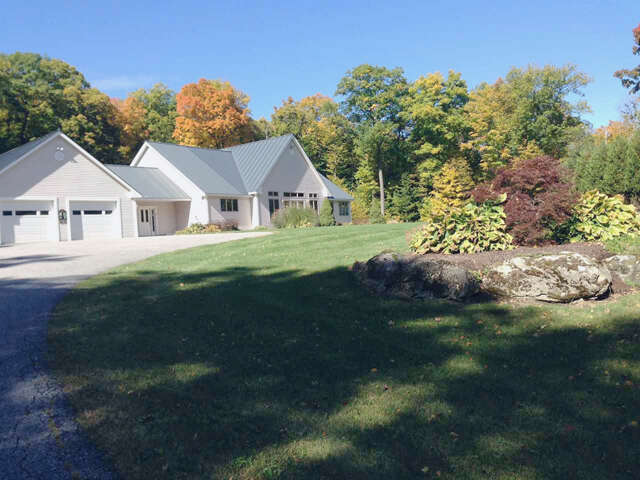 Single Family for Sale at 3297 West Road Manchester, Vermont 05254 United States