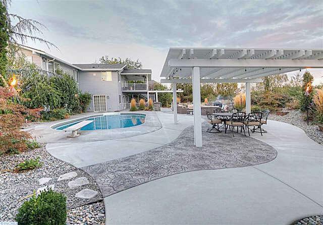 Single Family for Sale at 43101 E Baker Dr West Richland, Washington 99353 United States