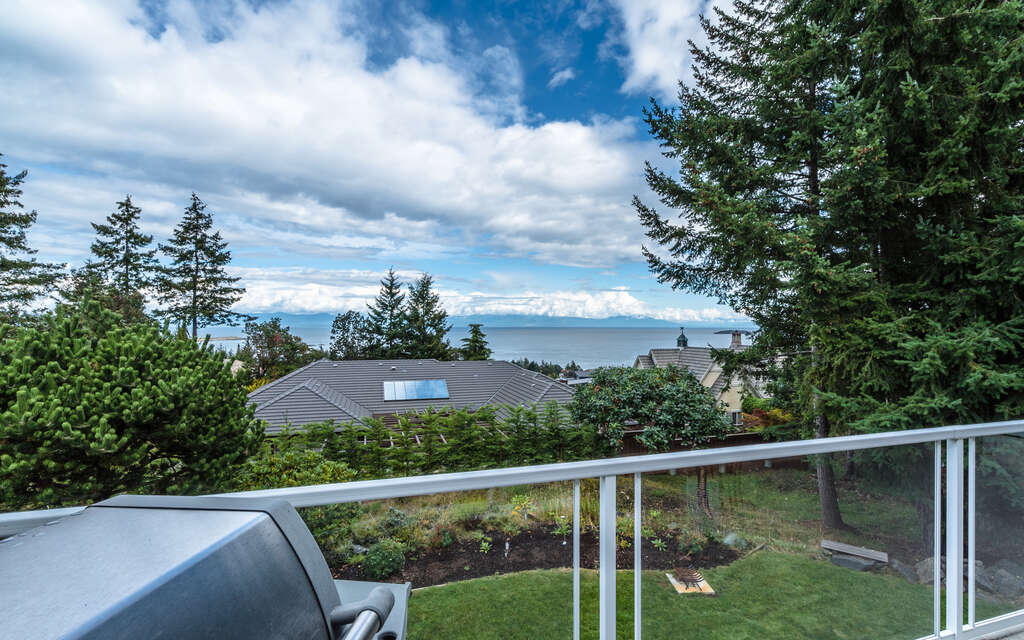 Home Listing at 2081 Rolston Place, NANOOSE BAY, BC