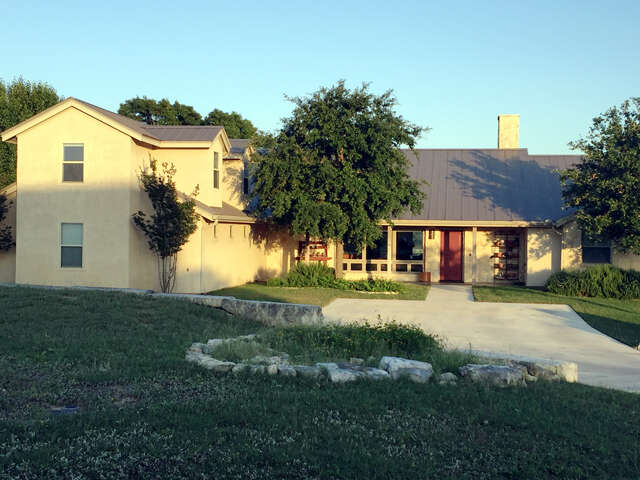 Single Family for Sale at 122 Morning Mist Point Ingram, Texas 78025 United States