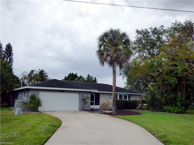 Single Family for Sale at 1339 Longwood Drive Fort Myers, Florida 33919 United States
