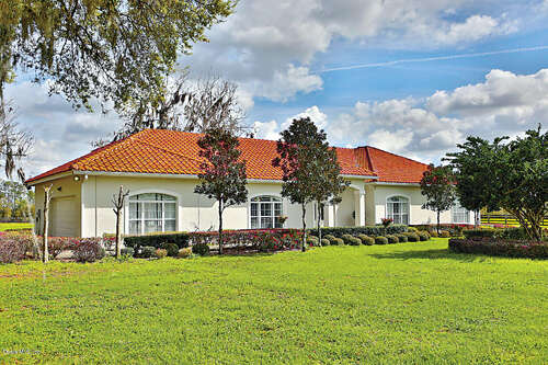 Single Family for Sale at 15221 NW 112th Place Road Morriston, Florida 32668 United States