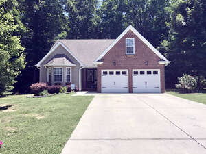 Featured Property in Signal Mountain, TN 37377