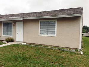 Featured Property in Tavares, FL 32778