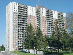 Featured Property in Ottawa, ON K1K 3Y4