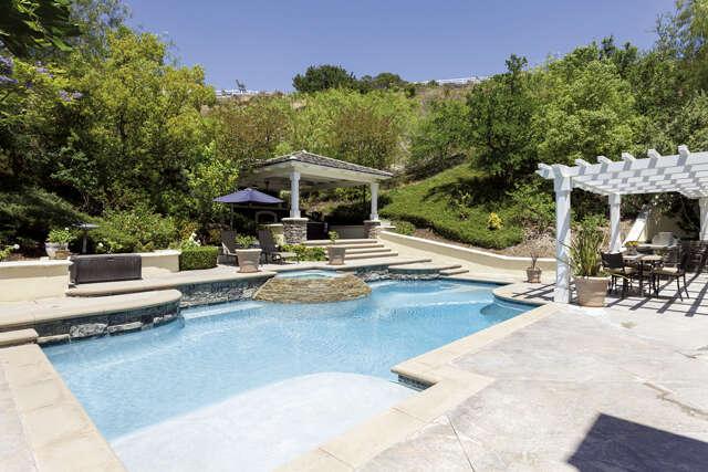 Single Family for Sale at 40 Cambridge Court Coto De Caza, California 92679 United States