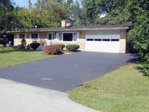 Featured Property in Algonquin, IL 60102