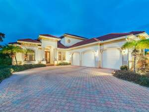Featured Property in Englewood, FL 34223