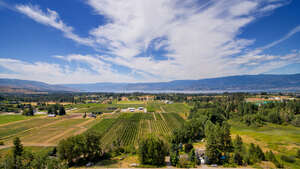 Featured Property in Kelowna, BC V1W 4C5