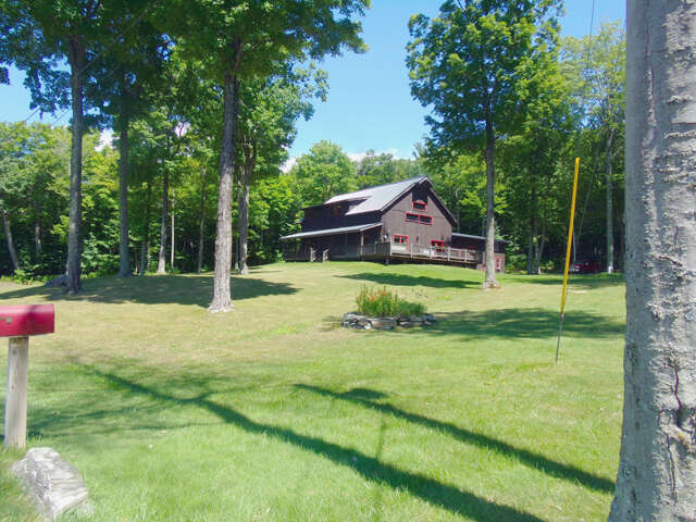 Single Family for Sale at 371 Quarry Road Bennington, Vermont 05201 United States