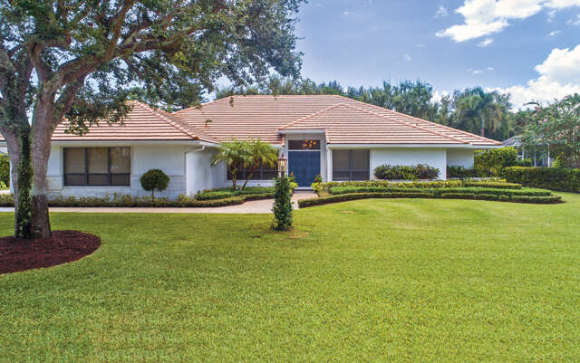 Single Family for Sale at 4376 Pine Tree Drive Boynton Beach, Florida 33436 United States
