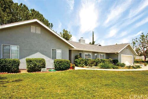 Single Family for Sale at 36425 Calle Poco Temecula, California 92592 United States