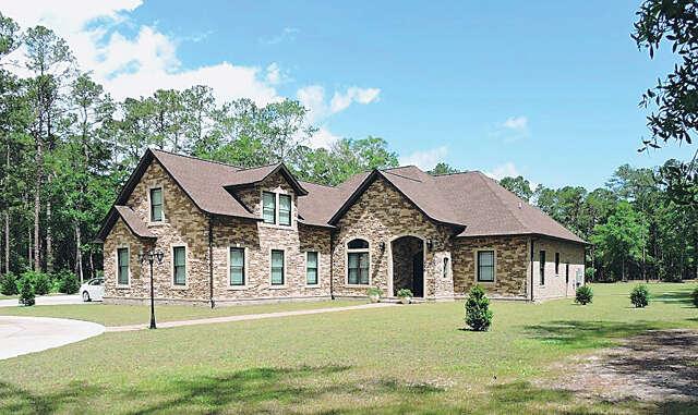 Single Family for Sale at 126 Brace Drive Pawleys Island, South Carolina 29585 United States