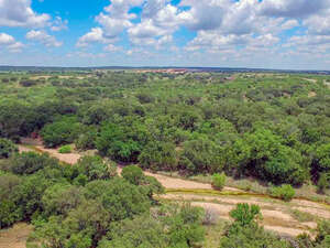 Featured Property in Voca, TX 76887