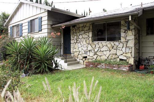 Single Family for Sale at 7746 Denivelle Road Tujunga, California 91042 United States