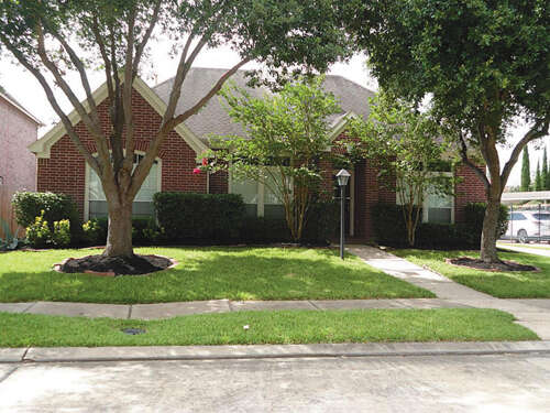 Featured Property in HOUSTON, TX, 77082