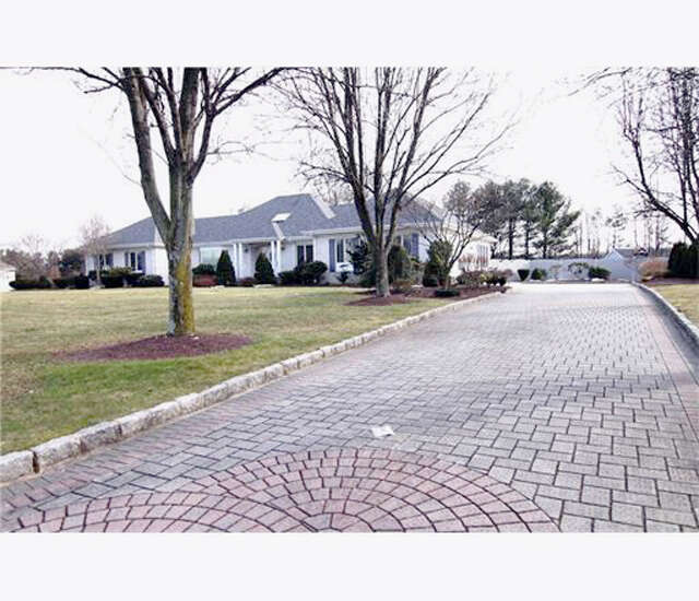 Single Family for Sale at 13 Drinking Brook Road Monmouth Junction, New Jersey 08852 United States