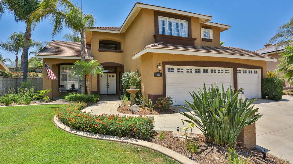 Single Family for Sale at 1192 Stillwater Ct Corona, California 92882 United States
