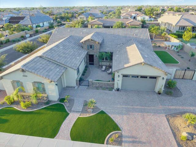 Single Family for Sale at 2914 E Kingbird Drive Gilbert, Arizona 85297 United States