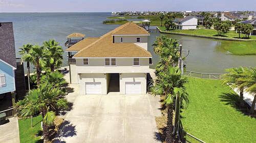 Single Family for Sale at 3722 Laguna Drive Galveston, Texas 77554 United States