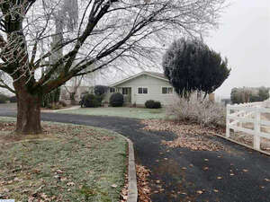 Featured Property in Prosser, WA 99350