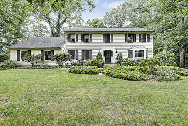 Single Family for Sale at 4 Red Oak Dr Plainsboro, New Jersey 08536 United States