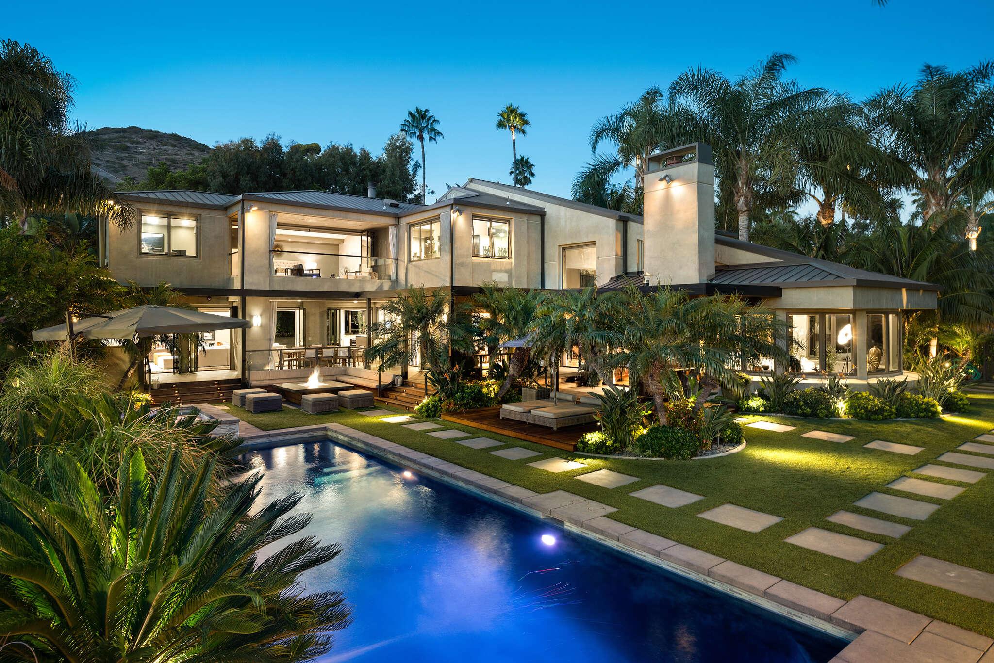 Single Family for Sale at 27033 Sea Vista Drive Malibu, California 90265 United States