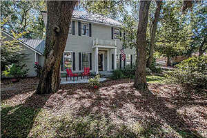 Featured Property in Apalachicola, FL 32320