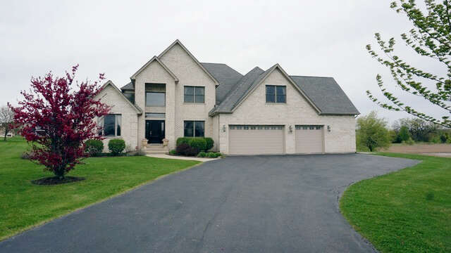 Real Estate for Sale, ListingId:42648011, location: 11716 STRAWBERRY Lane Huntley 60142