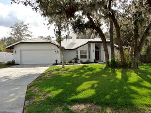 Featured Property in Winter Haven, FL 33884