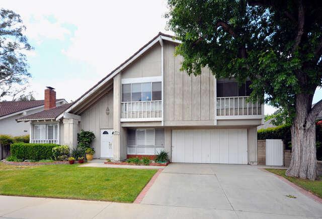 Single Family for Sale at 25421 Via Macarena Valencia, California 91355 United States