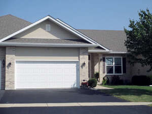 Featured Property in Genoa, IL 60135