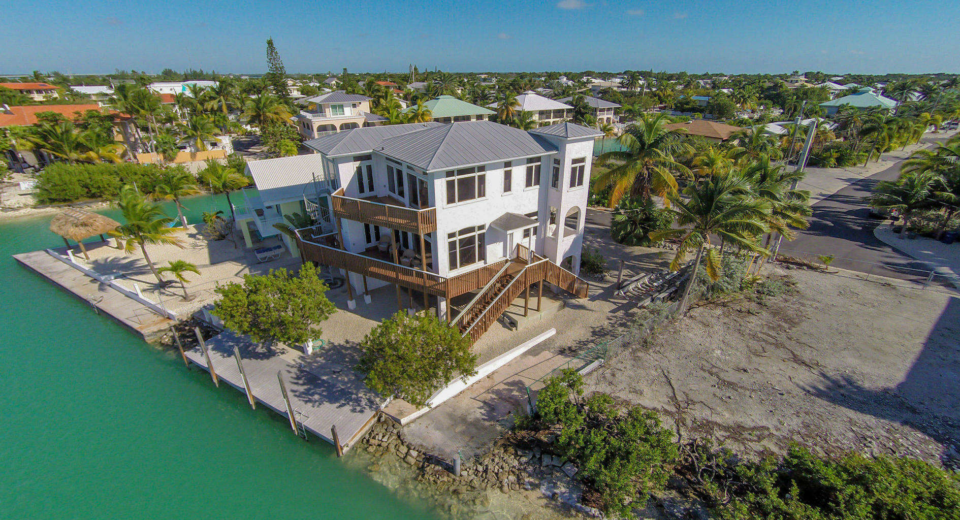 Single Family for Sale at 819 Lagoon Drive Summerland Key, Florida 33042 United States