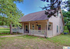 Featured Property in Harwood, TX 78632