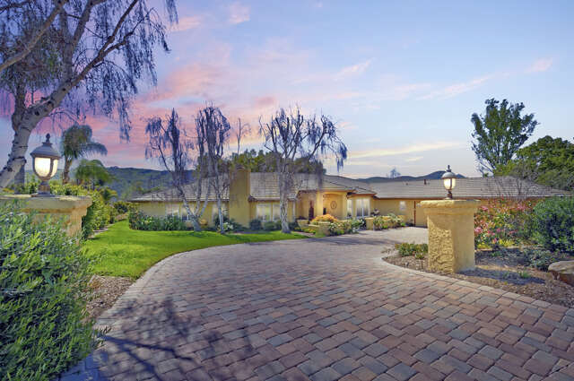 Single Family for Sale at 4127 Clubhouse Drive Somis, California 93066 United States