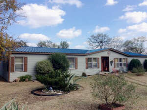 Featured Property in Llano, TX 78643