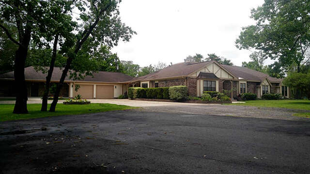 Single Family for Sale at 2426 Garden Road Pearland, Texas 77581 United States